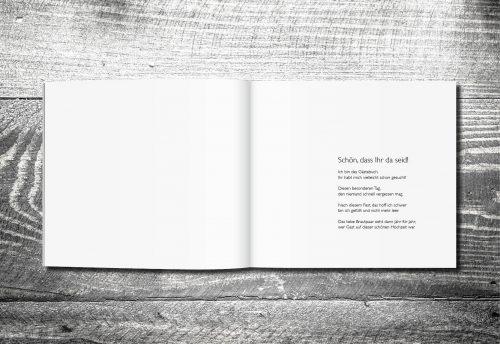 kartlerei gaestebuch hochzeit karten drucken inhalt 500x344 - Gästebuch Vintageholz | ab 55,00 €