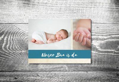kartlerei karten drucken geburtskarten drucken babykarten bayrisch geburt streifen junge 400x275 - Geburtskarten auf Bayrisch