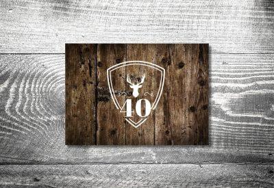kartlerei karten drucken heimatgefuehl bayern einladungskarten bayrisch hirschwappen holz 400x275 - Einladungskarten Geburtstag Text