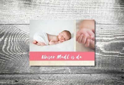 kartlerei karten drucken geburtskarten drucken babykarten bayrisch geburt streifen maedchen 400x275 - Geburtskarten auf Bayrisch
