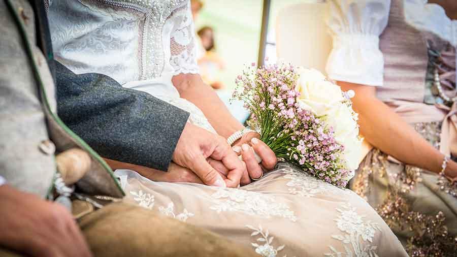 Trachtenhochzeit Tradition Trend Bayrische Hochzeit
