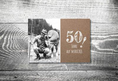 kartlerei bayrische einladung geburtstagseinladung aufm buckel 400x275 - Geburtstagseinladung auf Bayrisch