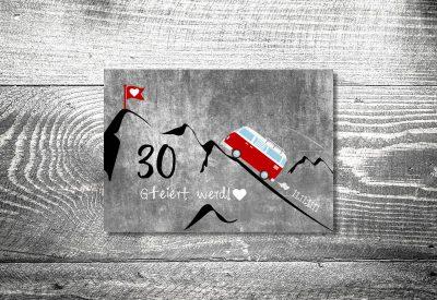 kartlerei bayrische einladungskarten geburtstagseinladung busliebe retrobus foto rosi 400x275 - Geburtstagseinladung auf Bayrisch