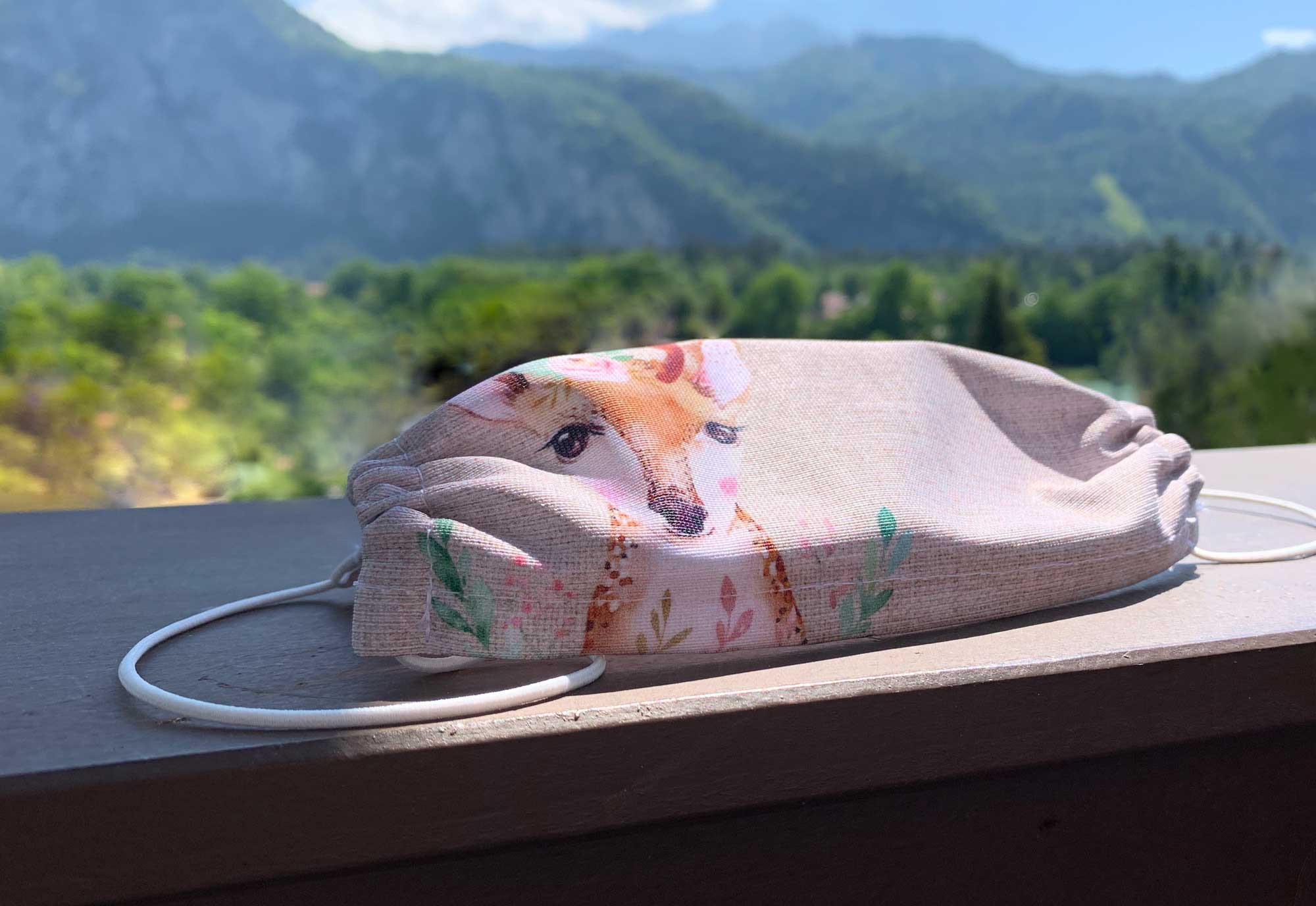 kartlerei bayrische masken bambi in den bergen - Bayrische Mund-Nasen-Masken