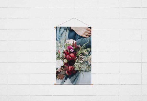 Textilposter mit Holzleiste