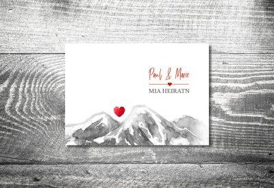 Karten auf Holz Hochzeit berge bergherzl3 400x275 - Trachtenhochzeit
