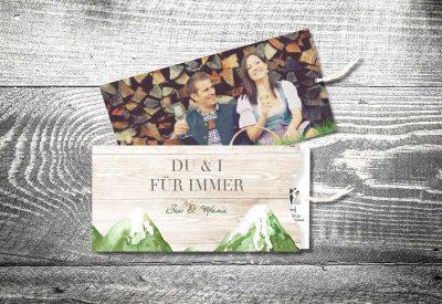 kartlerei einsteckkarten bayrische hochzeitseinladung bergliebe sommer 400x275 - Trachtenhochzeit